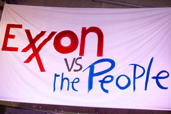 ExxonMobil, Rockefellers face off in climate battle