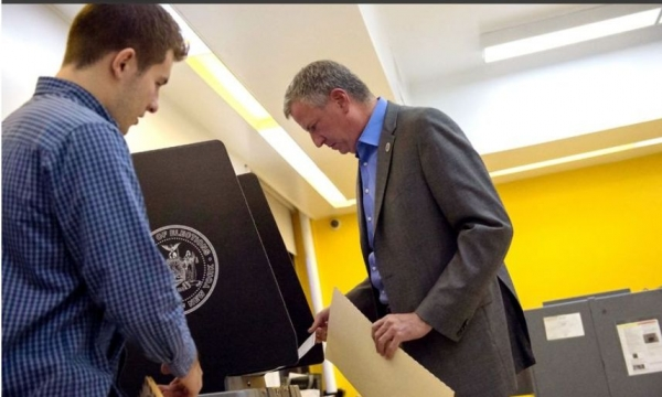 Mayor Bill de Blasio Votes in General Election. Tuesday, November 04, 2014.