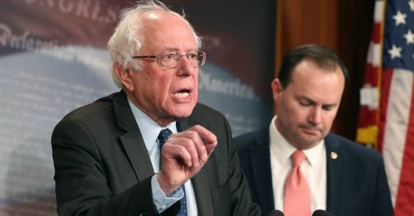 Sen. Bernie Sanders (I-VT), (L), and Sen. Mike Lee (R-UT), introduce a joint resolution to remove U.S. armed forces from hostilities between the Saudi-led coalition and the Houthis in Yemen, on Capitol Hill February 28, 2018 in Washington, DC.