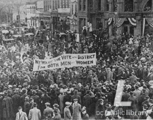 DC Statehood Activists line the streets in 1920s