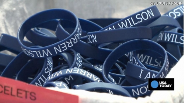 Department Of Justice Orders Ferguson Police To Stop Wearing 'I Am Darren Wilson' Bracelets